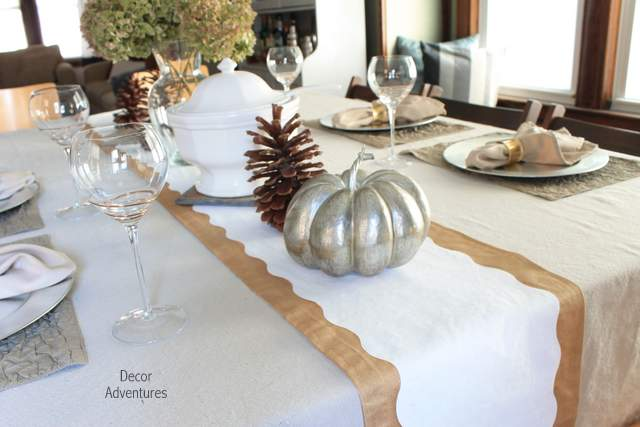 Christmas Table Runner Diy.Painted Holiday Table Runner Decor Adventures