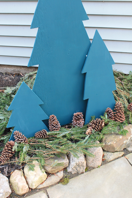 DIY Outdoor Plywood Holiday Trees