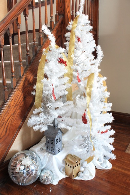 Try These Five Easy Ideas To Decorate Your Home For The Holidays A Completely Festive