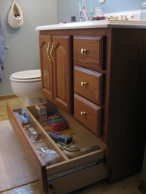 Superb Bathroom Vanity Makeover with Chalk Paint