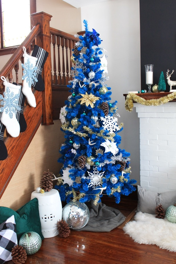 How to Decorate a Blue Christmas Tree » Decor Adventures